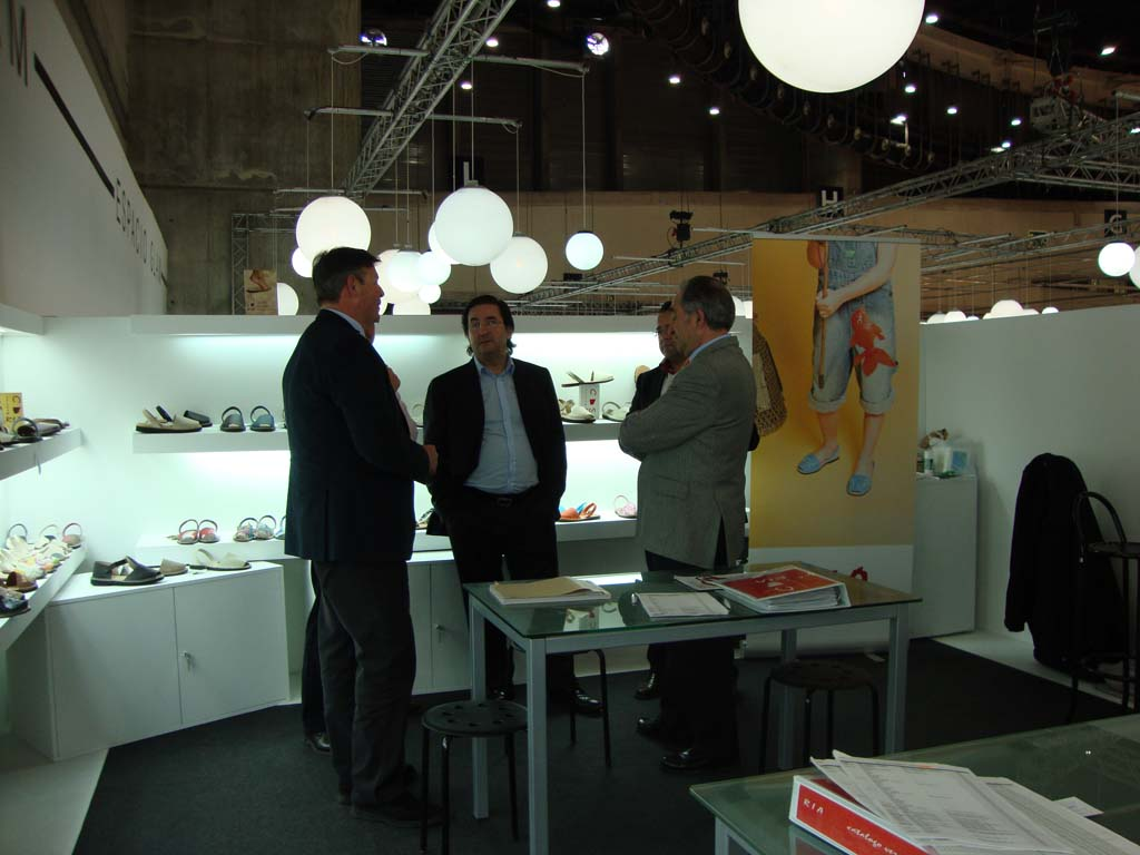 21 Asociación de fabricantes de calzado de Menorca