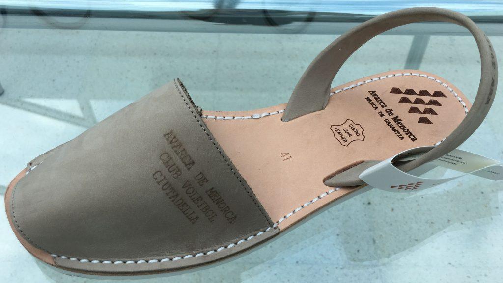 q Asociación de fabricantes de calzado de Menorca
